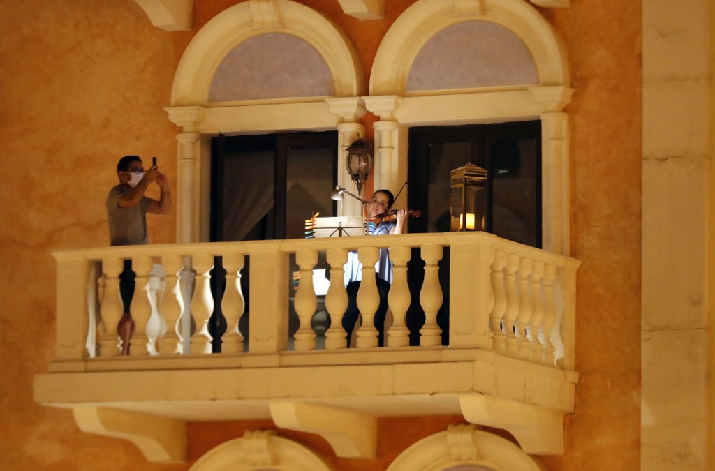 Qatar musicians give balcony gigs to cheer Residents